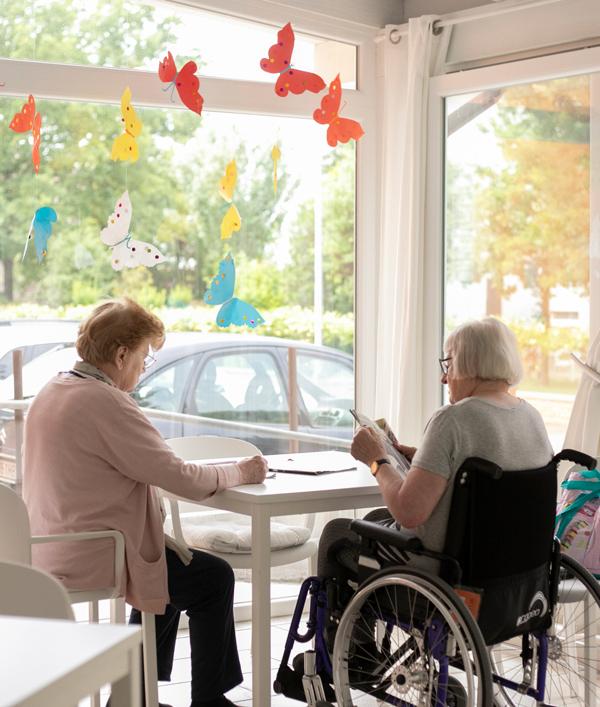 Anziani in sala relax Casa Famiglia Isabella
