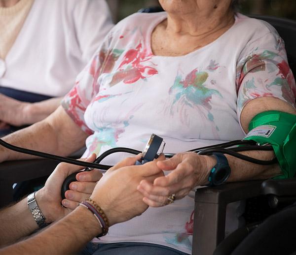 assistenza medica anziani