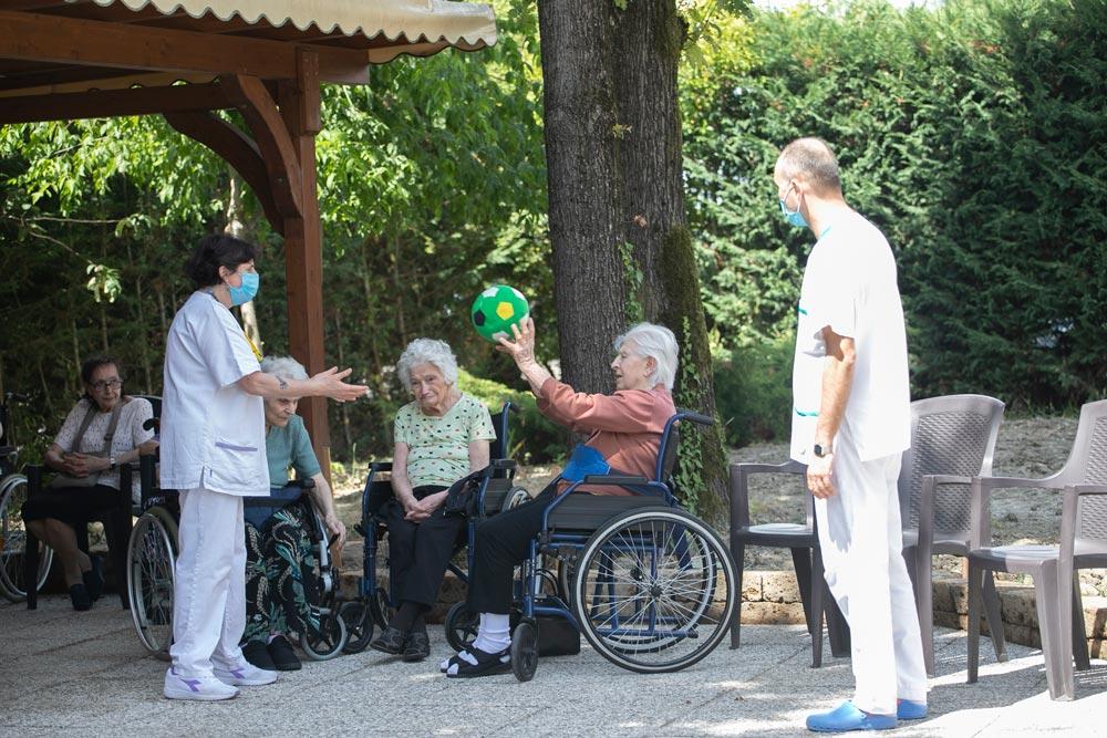 Attività ricreative con anziani